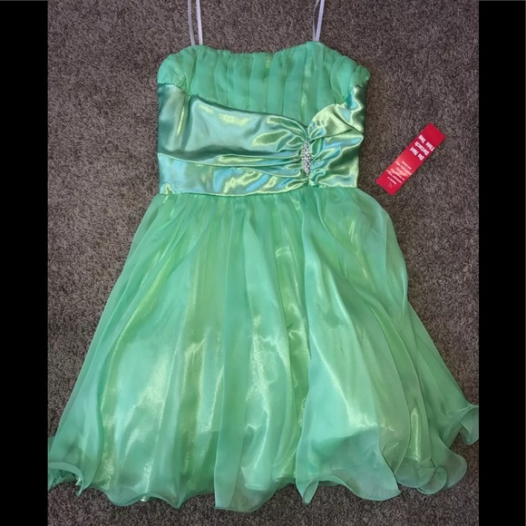 B. Smart Dresses & Skirts - 11-12 Prom Party Dance Formal Cocktail Dress NWT!